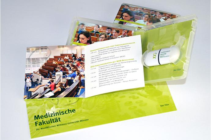 USB-Stick inkl. Verpackung und Booklet
